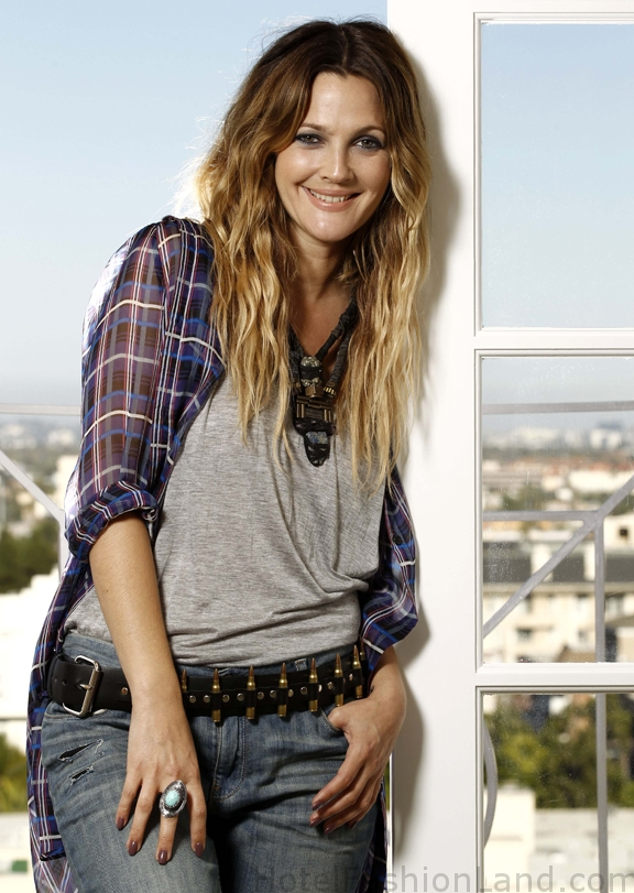August 18th, 2010 by HFL Staff received Comments Off. Drew Barrymore poses ...