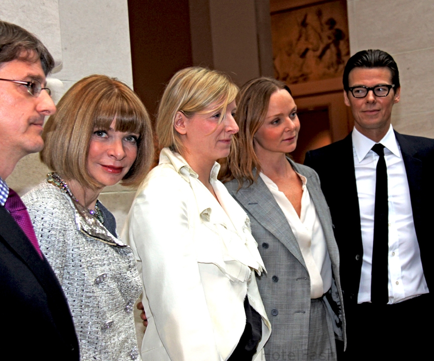 anna-wintaur-sarah-burton-stella-mc-cartney-andrew-boltonweb1