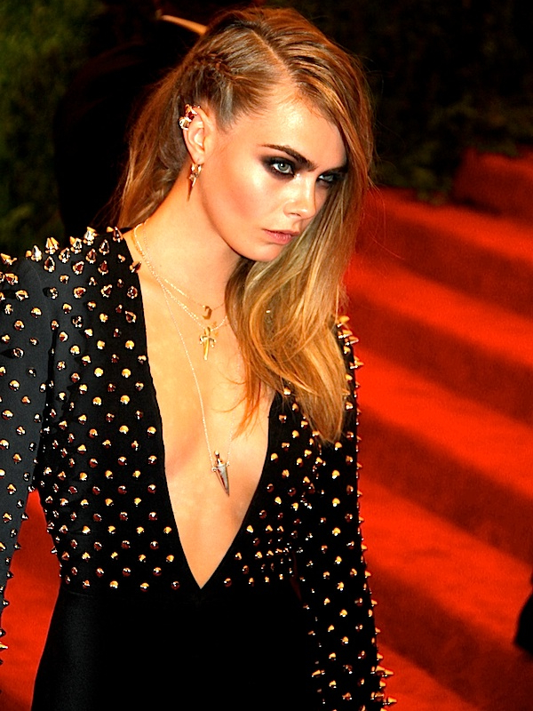 Cara DelevingneWEB2